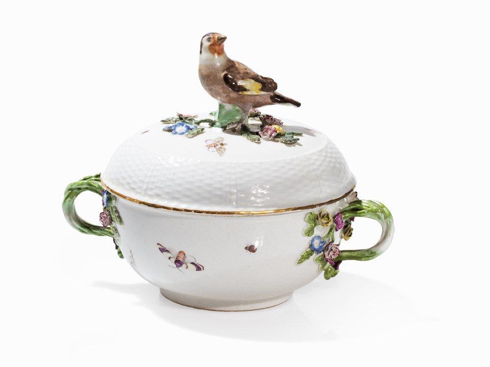 Meissen, Small Tureen with Bird Knob, 2nd half 18th C.