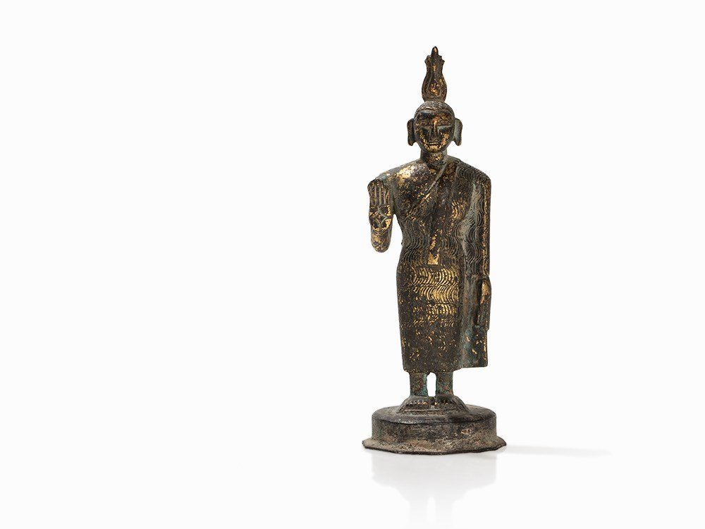 Gilt Bronze Figure of a Buddha with Flaming Ketumala,
