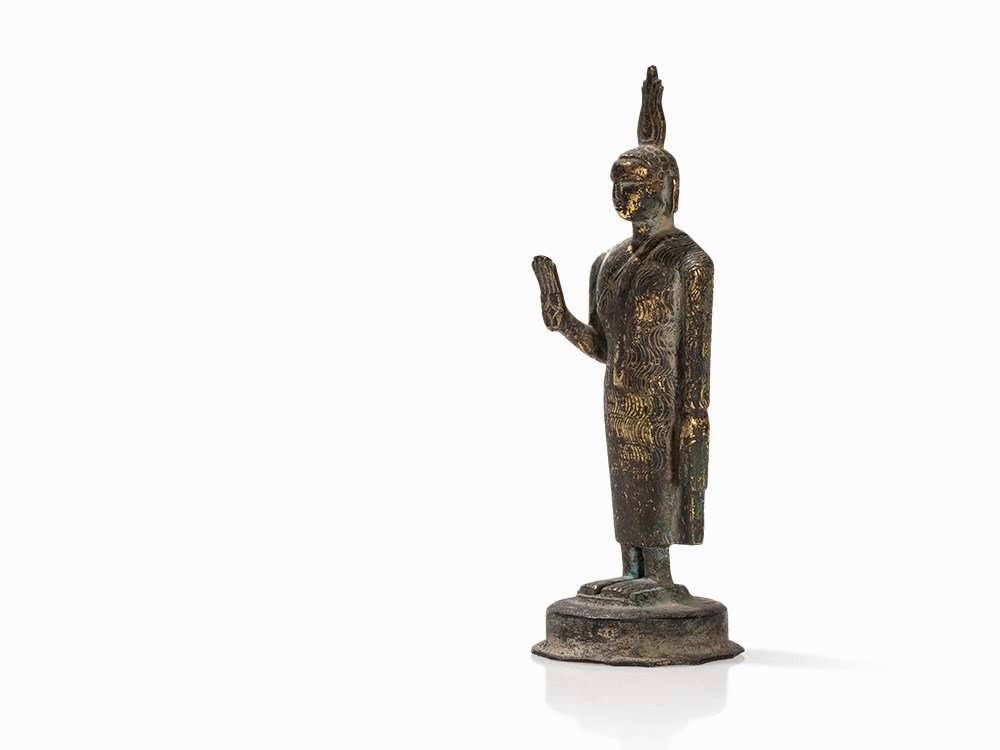 Gilt Bronze Figure of a Buddha with Flaming Ketumala, - 3