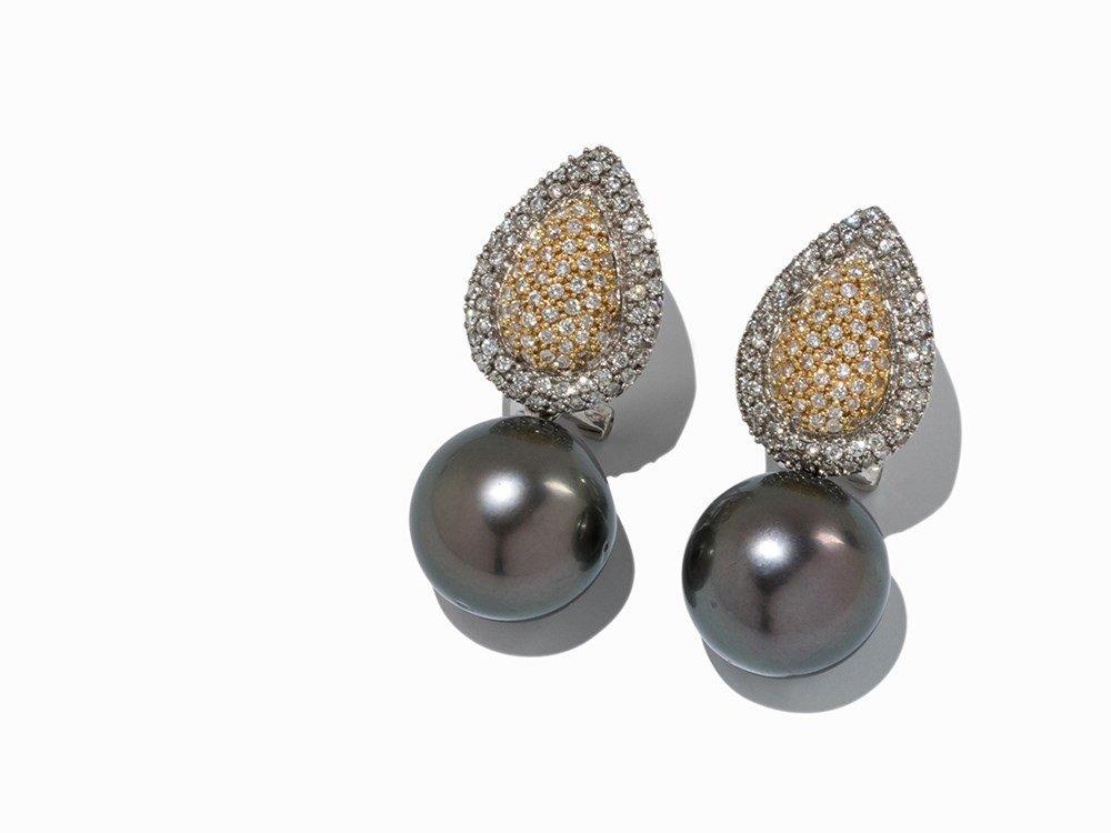18 K Ear Clips with Brilliant Cut Diamonds & Tahian