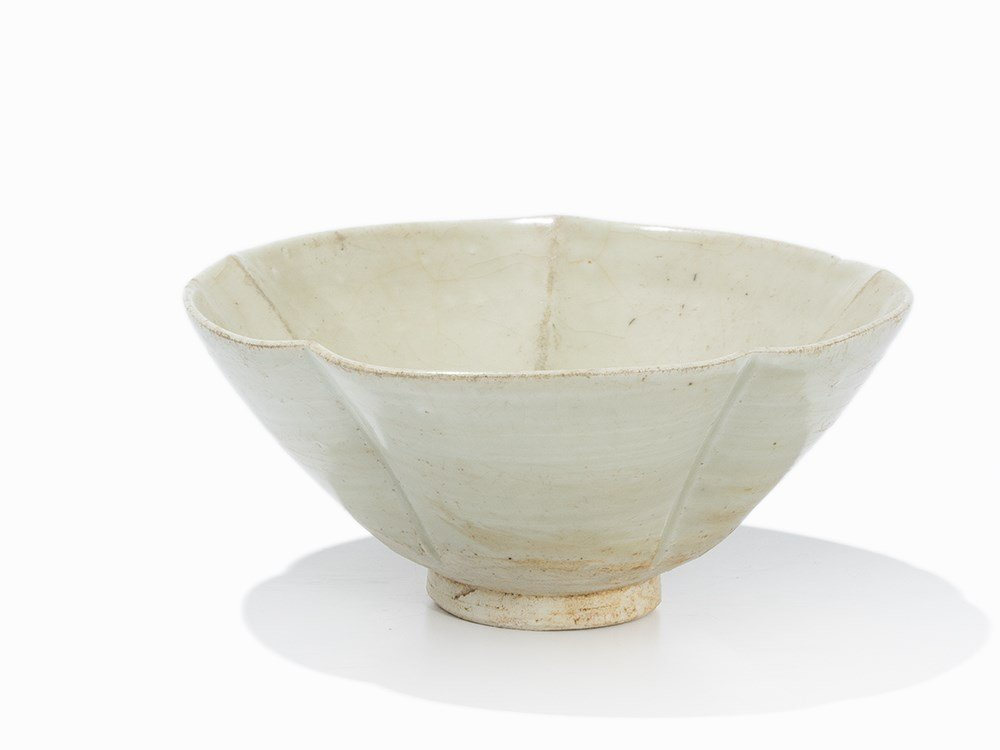 Dingyao Petal Lobed Bowl, Northern Song, 11th C.