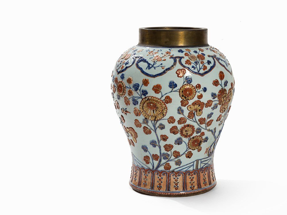 A Large Imari Vase with Molded Décor, China, 18th C.