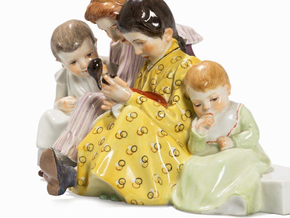 Konrad Hentschel, 'Vier Kinder mit Puppe', Meissen, c. - 3