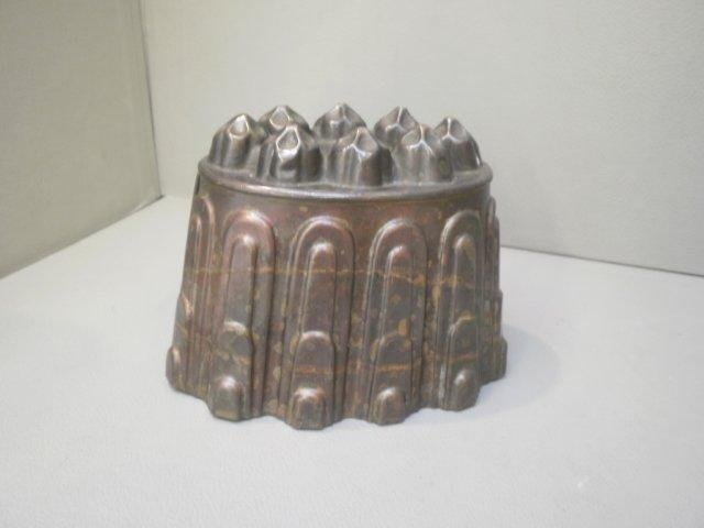 16: A Victorian copper jelly mould stamped HL and Co. 0