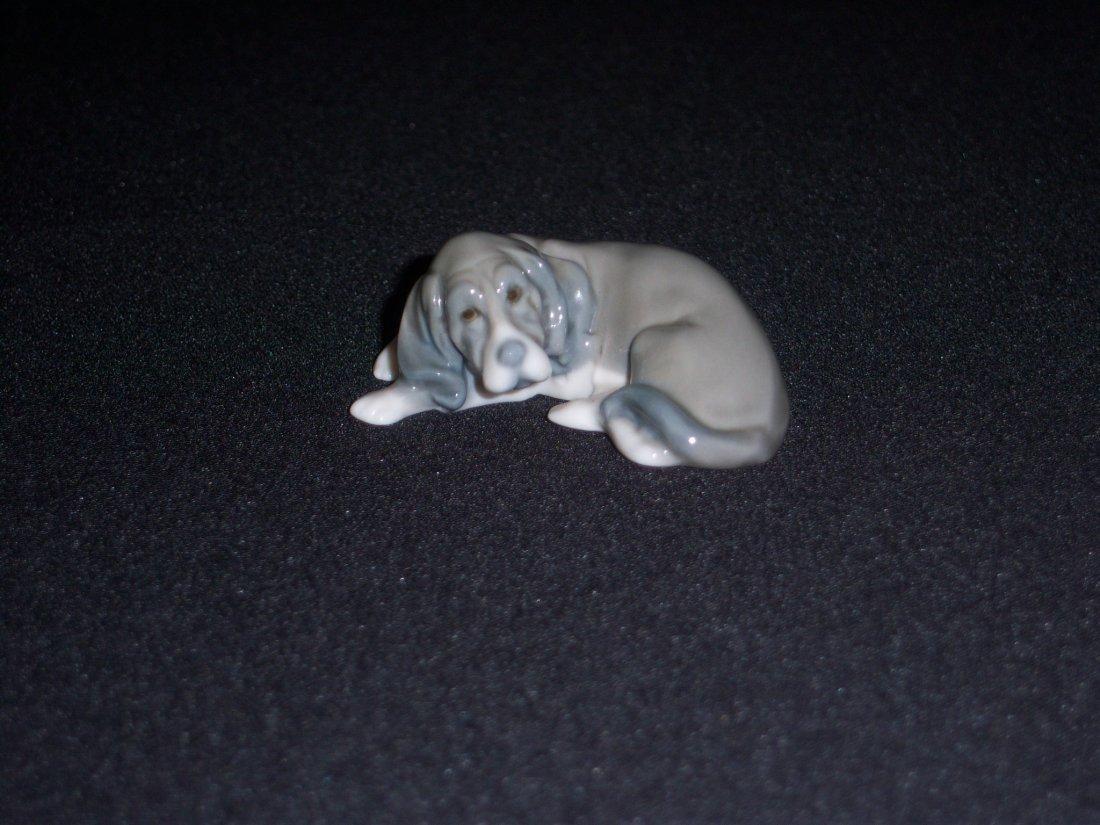 20: Lladro Hound Dog
