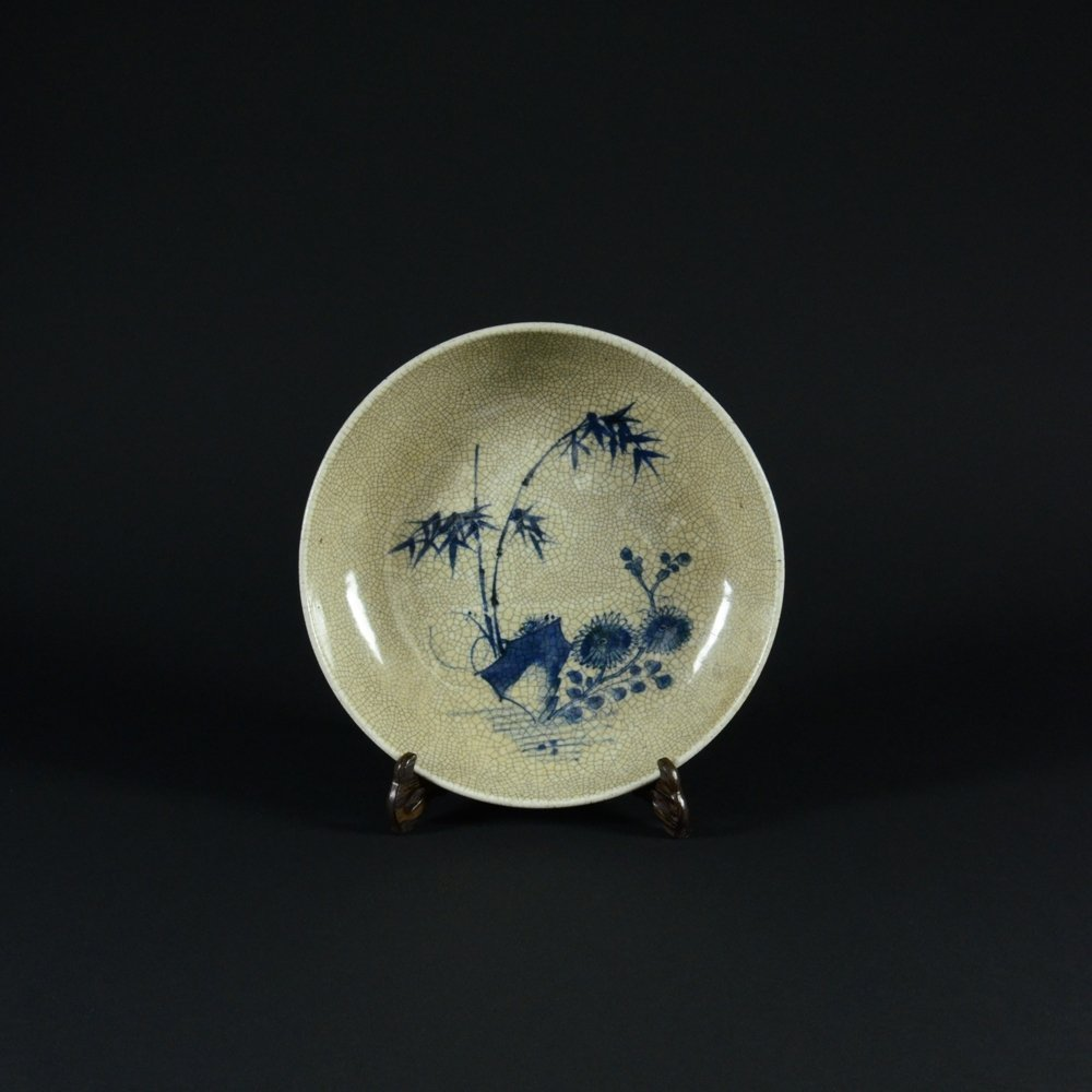 16: GE WARE BLUE AND WHITE PORCELAIN PLATE