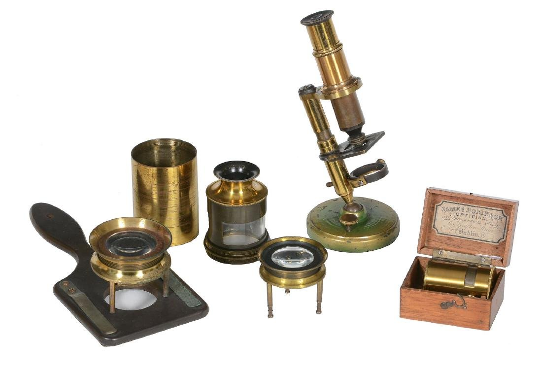 A lacquered brass botanical simple microscope The box