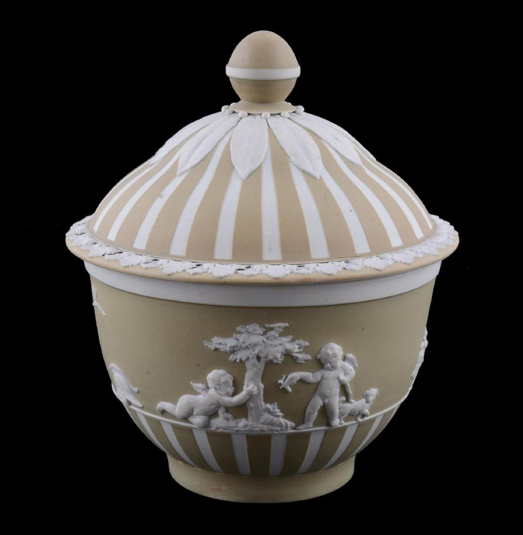 A Wedgwood pale-green dip white jasper sugar bowl and - 2