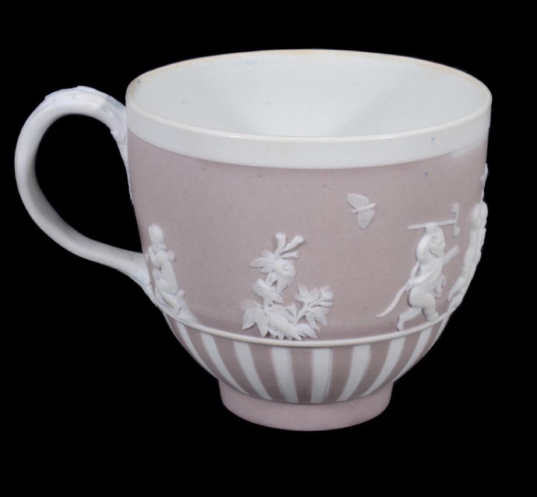A Wedgwood lilac-dip jasper cylindrical custard cup and - 4