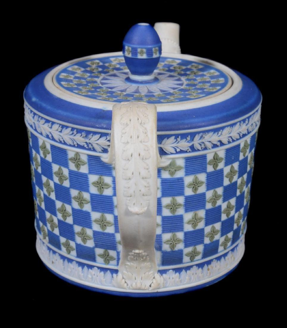 A Wedgwood tri-colour jasper 'diced' cylindrical teapot - 2