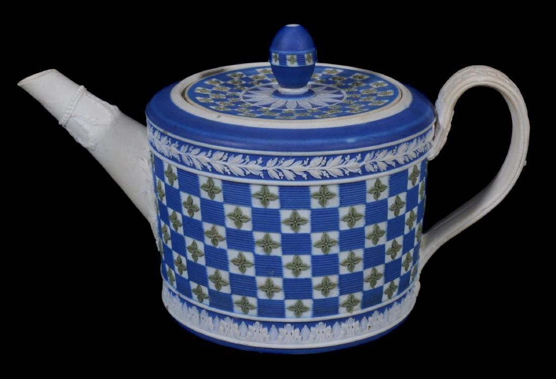 A Wedgwood tri-colour jasper 'diced' cylindrical teapot - 3