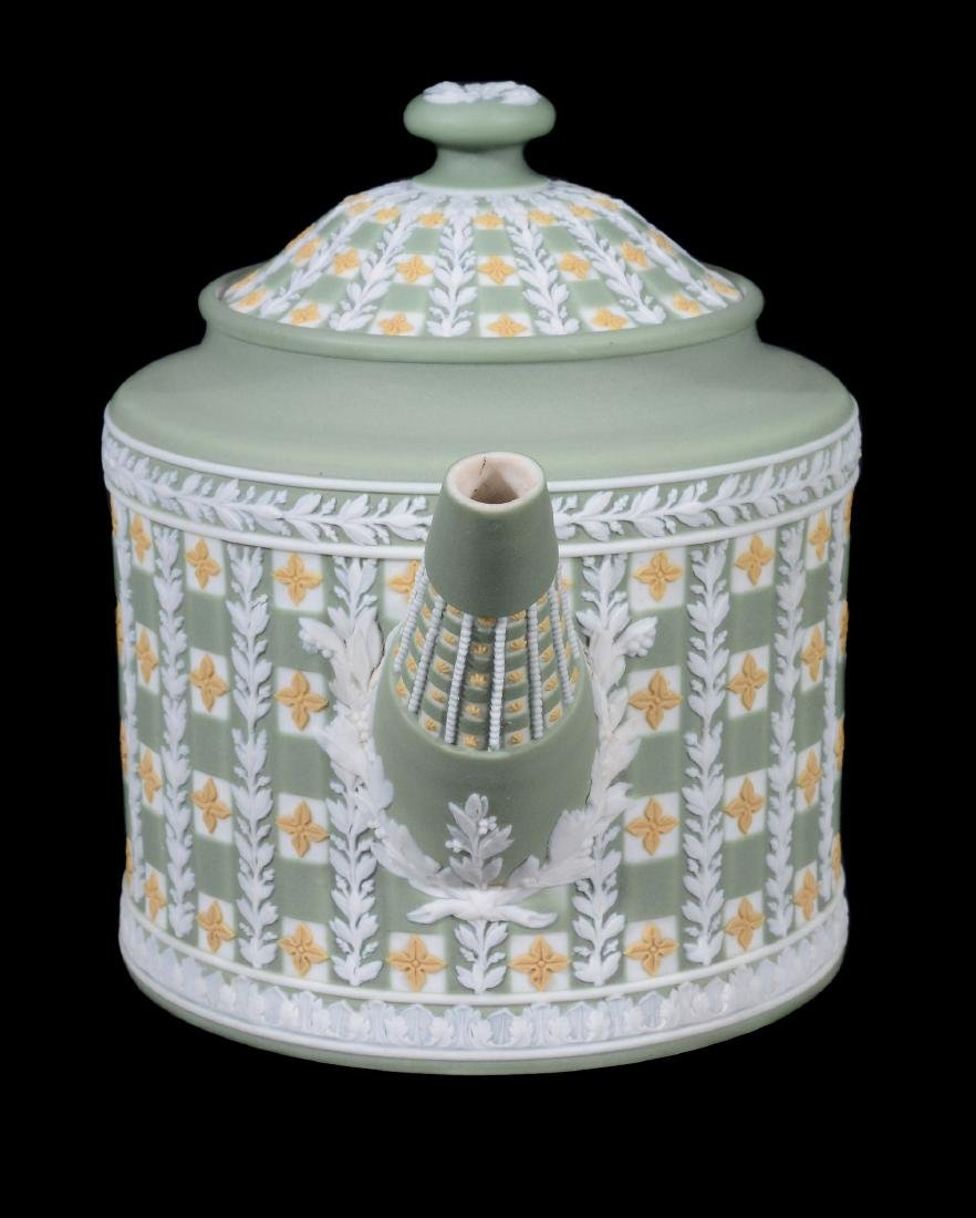 A Wedgwood tri-colour jasper 'diced' cylindrical teapot - 2