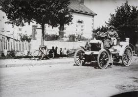 Motoring : a collection of press and other photographs
