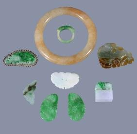 A small group of Chinese jadeite jewellery, comprising
