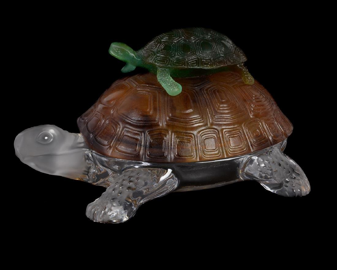 Daum, a pate de verre model of a turtle with its young