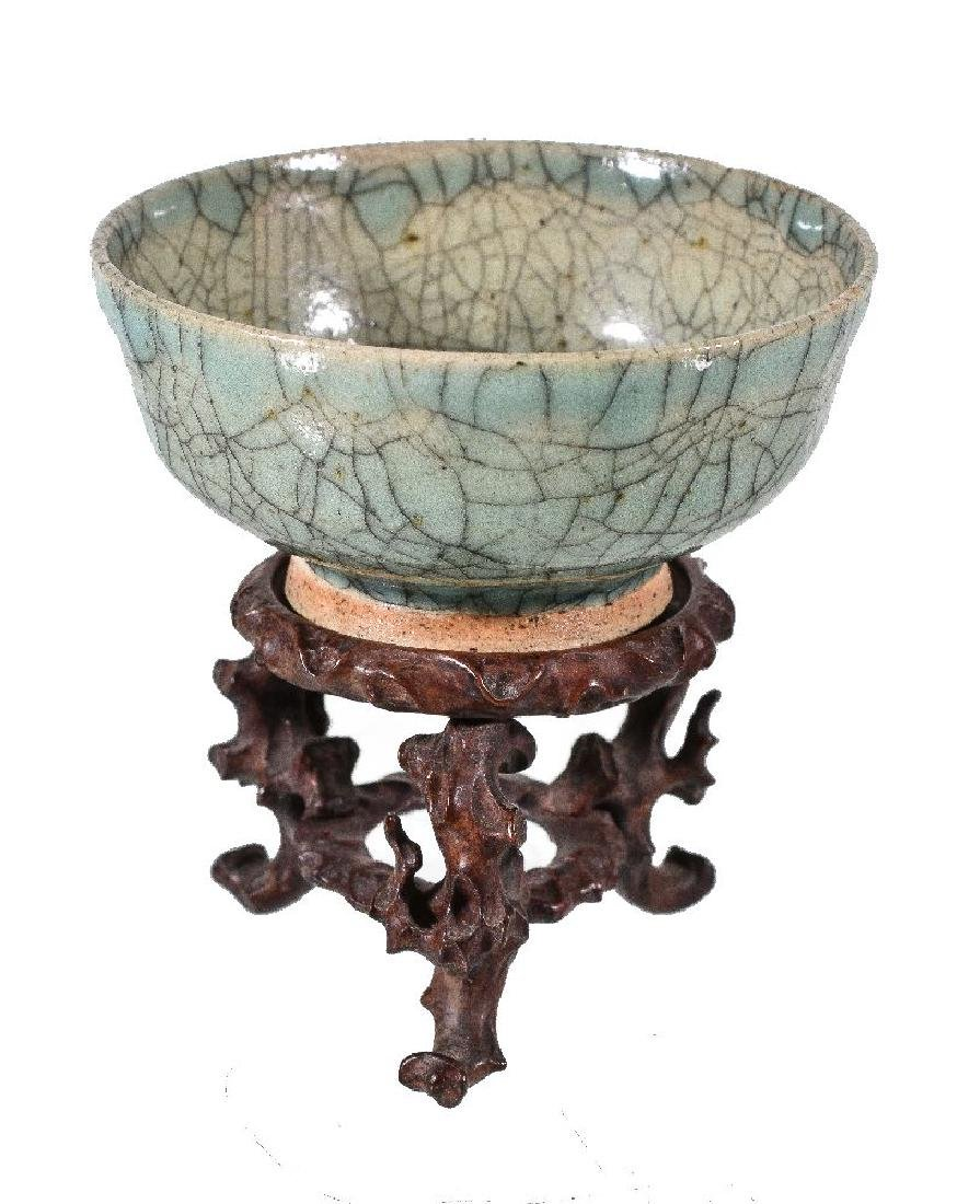 A small Chinese stoneware crackle-glazed bowl