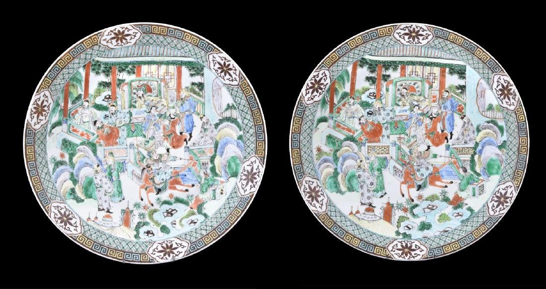 A pair of Chinese Famille Verte chargers