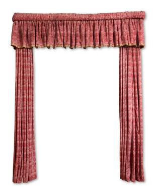 A PAIR OF RED CHINESE DAMASK STYLE CURTAINS AND PELMET