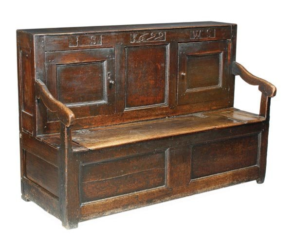 287: An oak hall settle, 17th century and later, the up