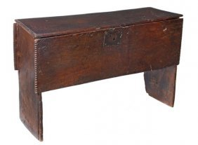 289: A Charles I oak plank chest, circa 1620, hinged to