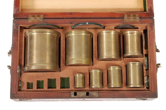 A set of eight Imperial fluid capacity measures  D