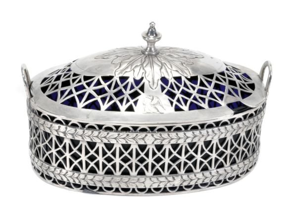 A George III Irish silver oval butter dish and cov
