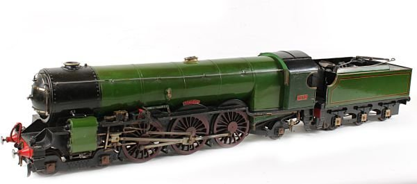 A 5 inch gauge live-steam model of a 4-6-2 tender