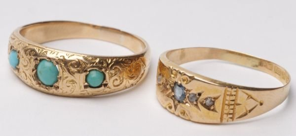 A Victorian three stone turquoise ring, the gradua
