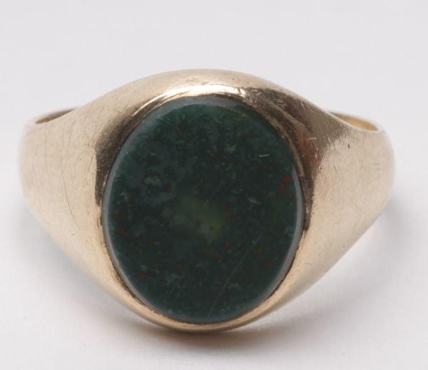 A gentleman's 9 carat gold bloodstone signet ring,