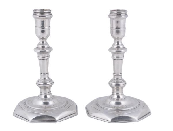 A pair of George I Irish cast silver octagonal can
