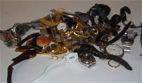 A collection of twenty nine gentleman's wrist watc