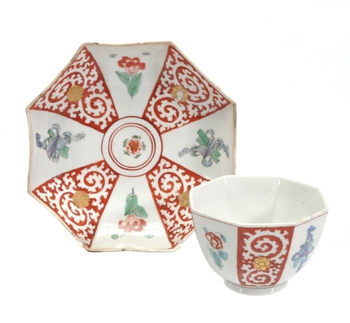 A Chelsea octagonal Kakiemon tea bowl and saucer,