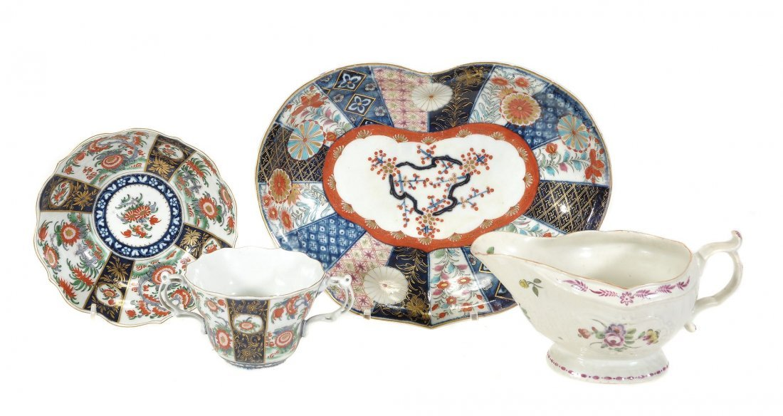 Three items of Worcester porcelain, comprising; a