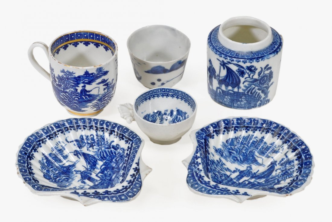 A pair of Caughley blue and white shell-dishes, printed