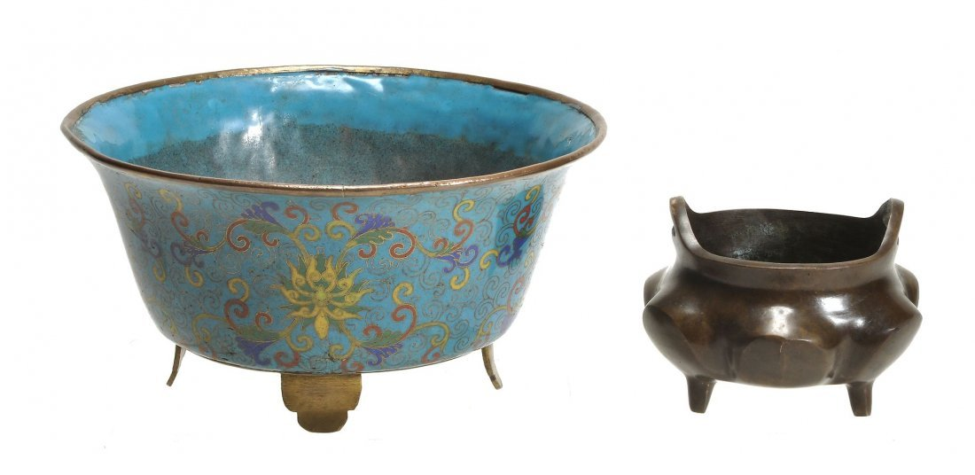 A Chinese cloisonne enamel bowl of flared circular form
