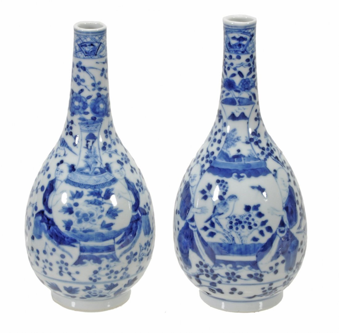 A pair of Chinese blue and white bottle vases, 19th