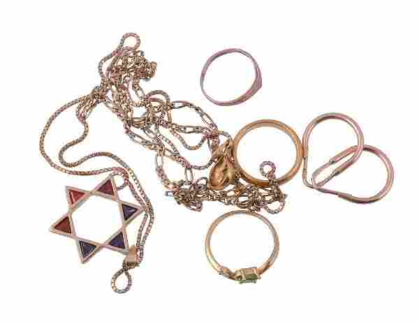 A small collection of jewellery, to include a 22 carat