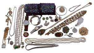 A collection of costume jewellery, to include