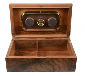 An Italian Figured Walnut Rectangular Cigar Humidor By