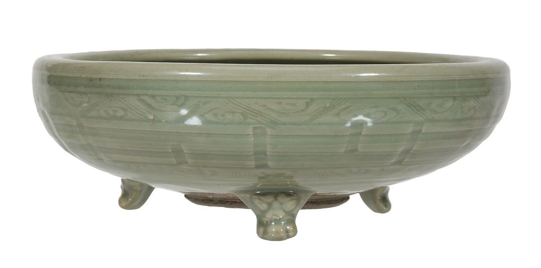 A Chinese Longquan celadon tripod censer, Ming Dynasty - 2