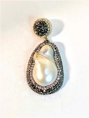 PRETTY PEARL AND CRYSTAL DROP PENDANT