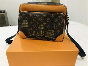 Louis Vuitton nigo nil messernger limited editon