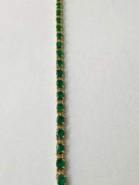 Stunning Diamond and Emerald Bracelet 14 Y Gold