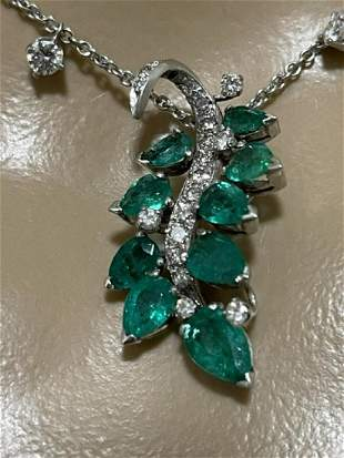 EMERALD, DIAMOND AND WHITE GOLD NECKLACE