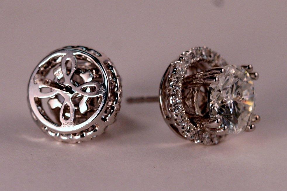 4.08 carat Diamond Stud Earrings. - 3