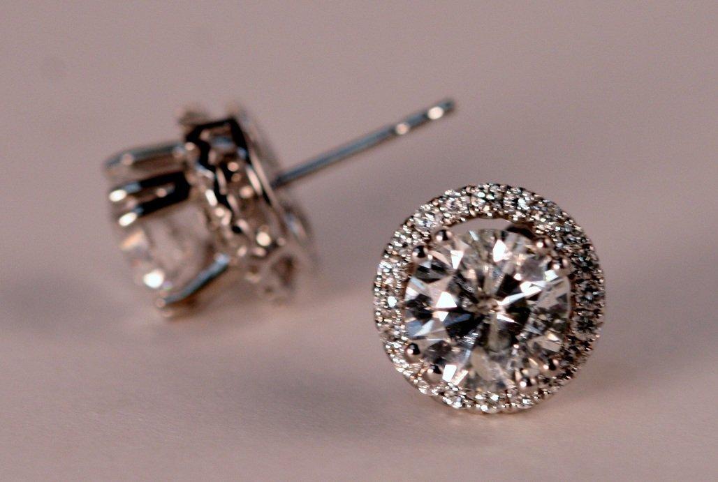 4.08 carat Diamond Stud Earrings. - 4