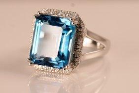 16: 14k White Gold Diamond & Blue Topaz Ring