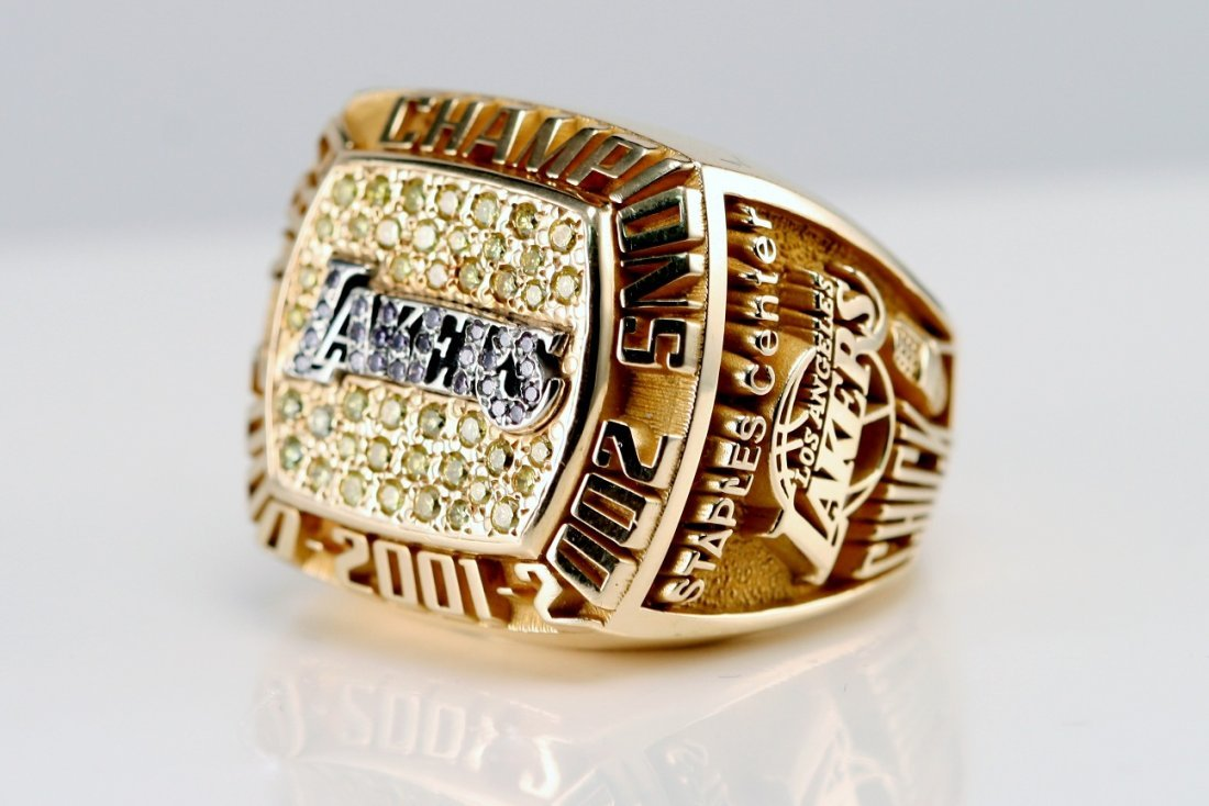 4: LAKERS CHAMPIONSHIP RING WITH DIAMONDS