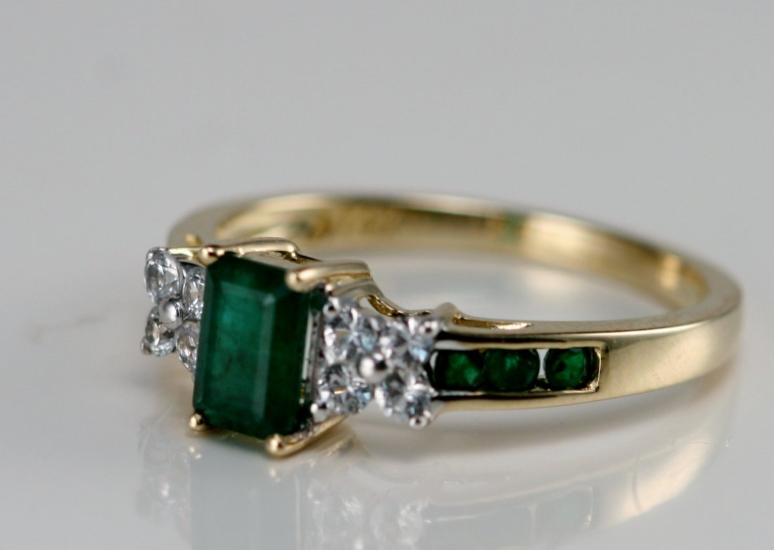 14K Y GOLD DIAMOND & EMERALD RING