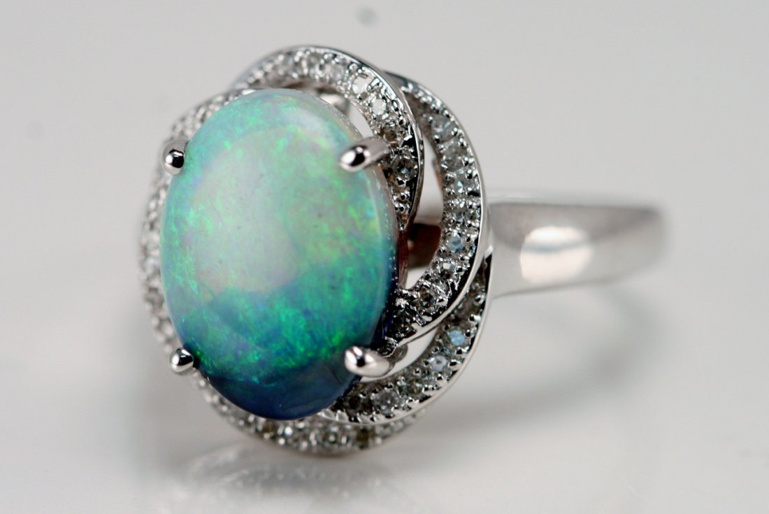 14K WT GOLD DIAMOND & OPAL RING
